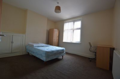 BEDROOM, Welford Road, Clarendon Park, LE2