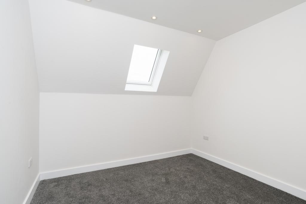 Flat 10 bedroom -