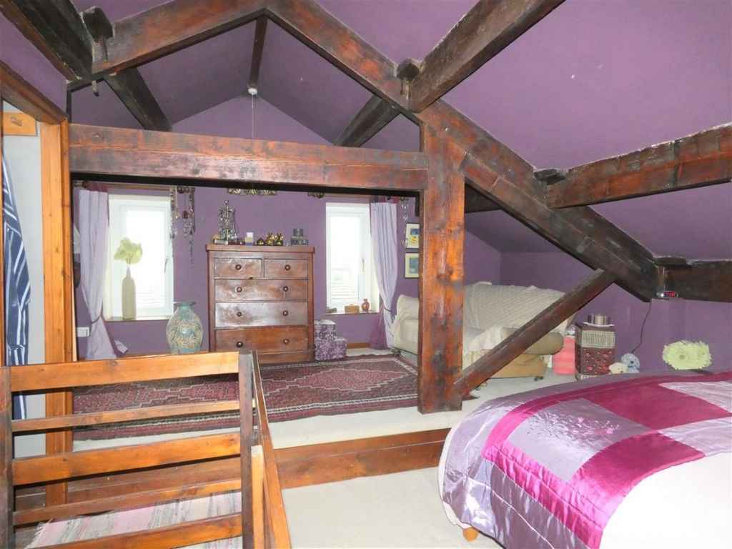 Attic Bedroom/Suite