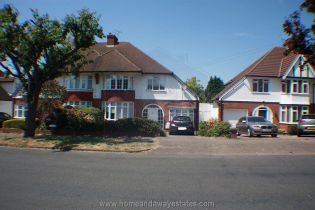 Heddon Court Avenue  London  EN4