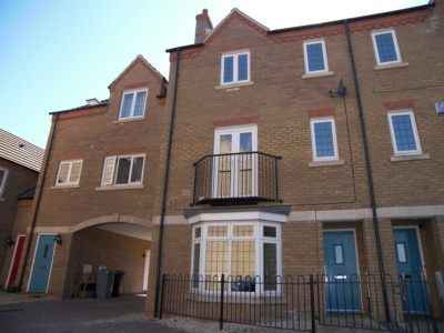 Fenfield Mews  Deeping St James  PE6