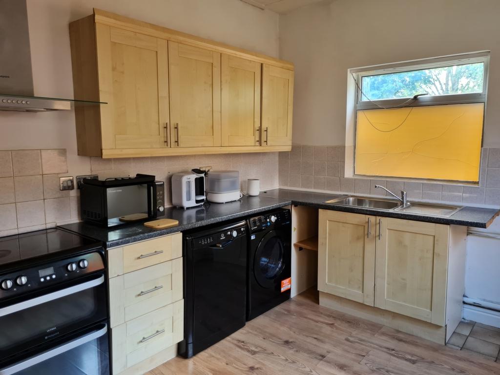Side kitchen image
