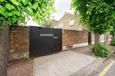 Plashet Grove  Upton Park  E6