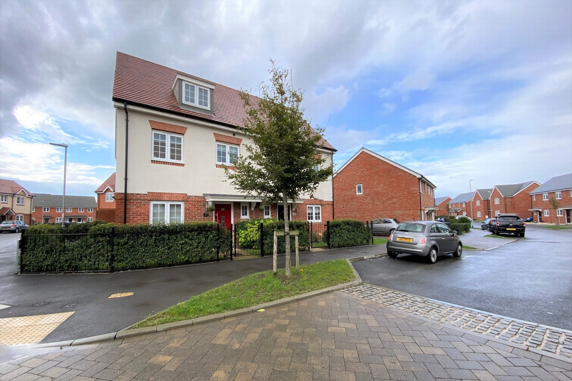 Hyton Drive  Deal  CT14