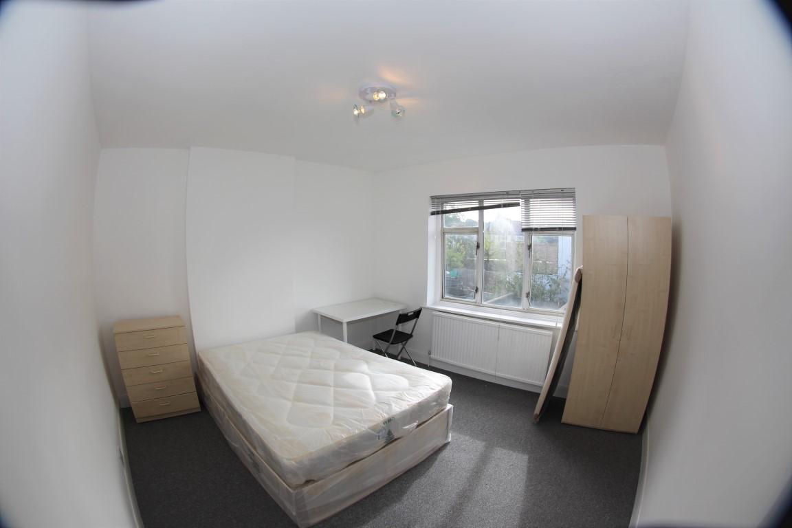 Barford Close  Hendon  NW4