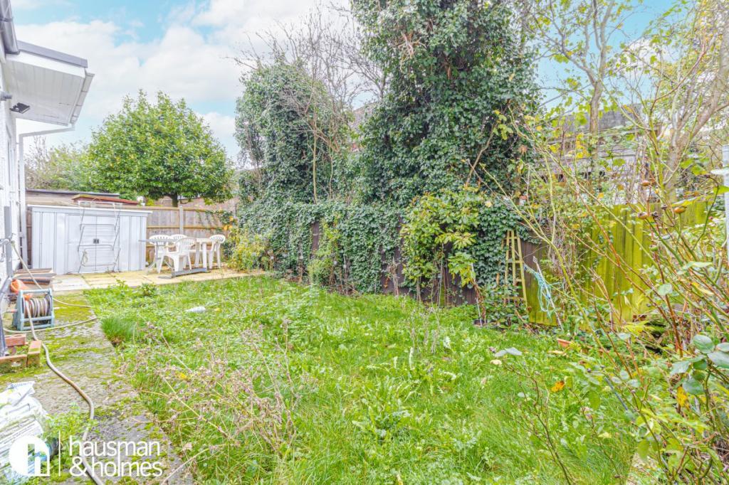 Heathfield Gardens  Golders Green  NW11