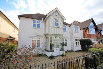 Front, Earlsfield Road, Hythe, CT21