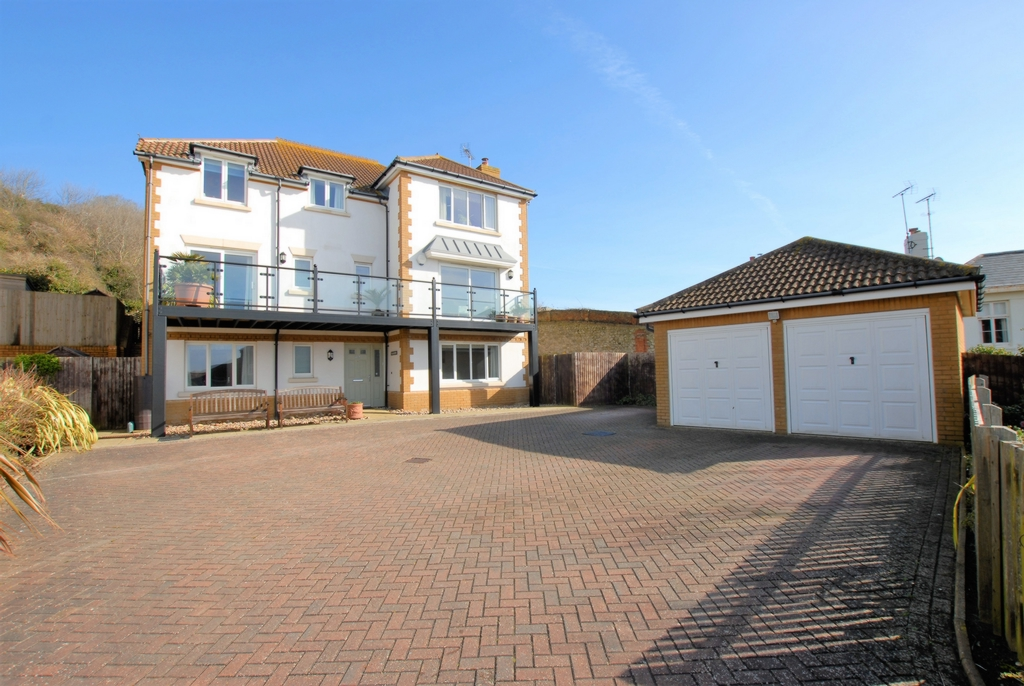 Lower Corniche  Sandgate  CT21