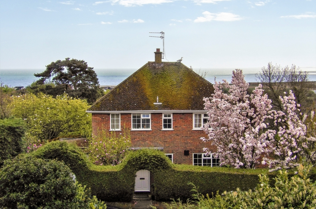 Front and view, Hillcrest Road, Hythe, CT21
