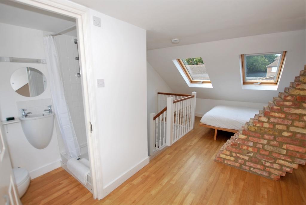 Bedroom 3/En-Suite