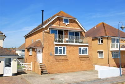 Front, West Parade, Hythe, CT21