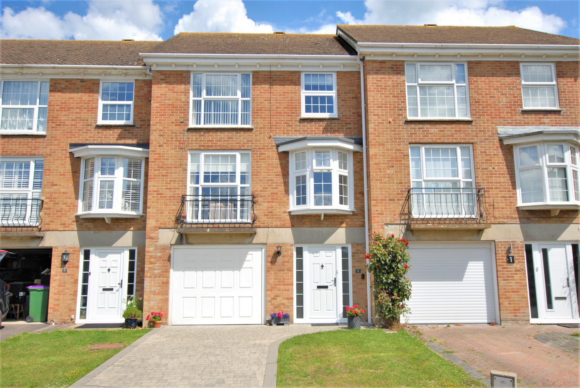 Front, Fisher Close, Hythe, CT21