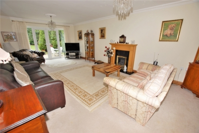 Petrel Way  Hawkinge  CT18