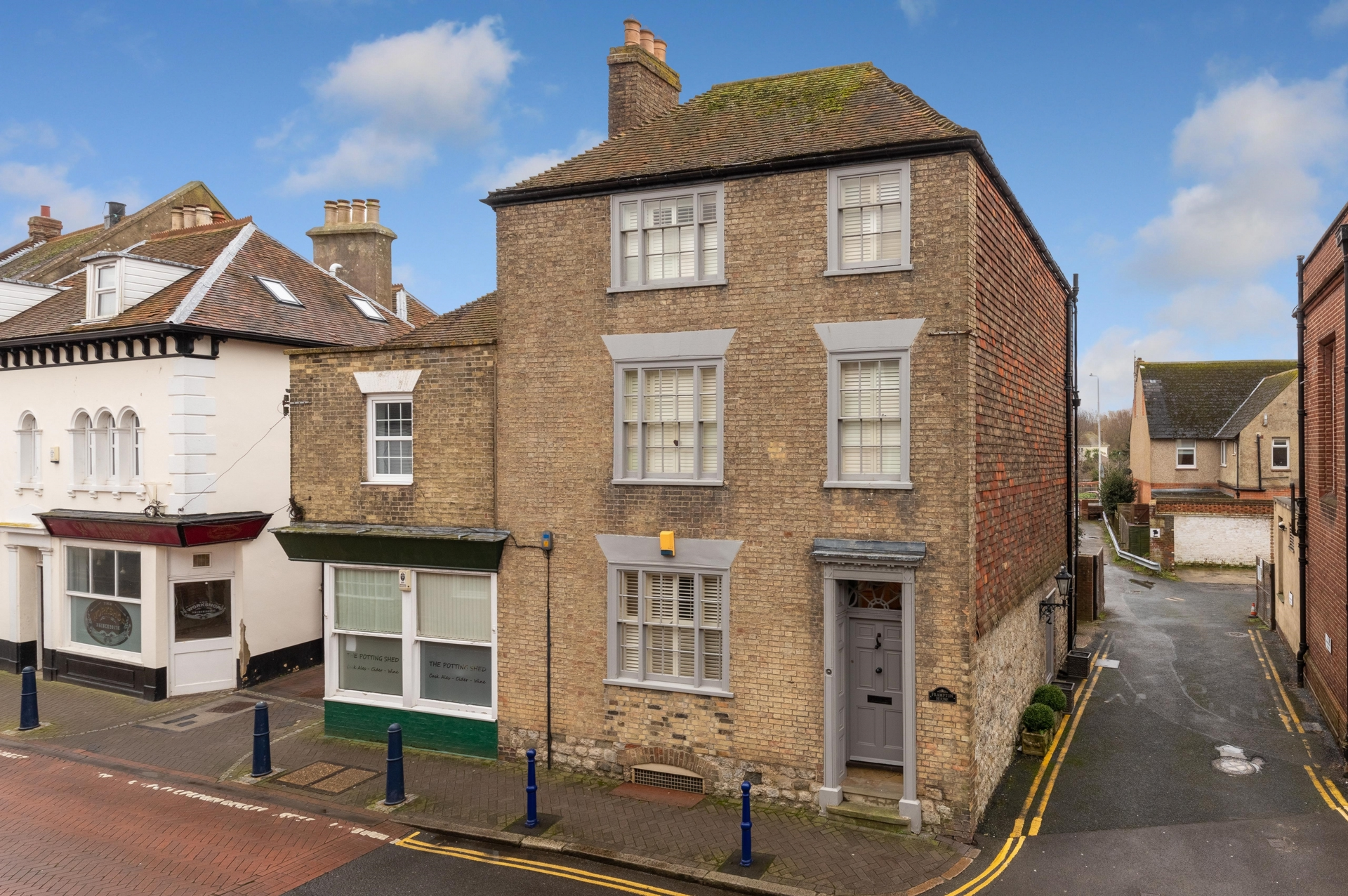 Front, High Street, Hythe, CT21