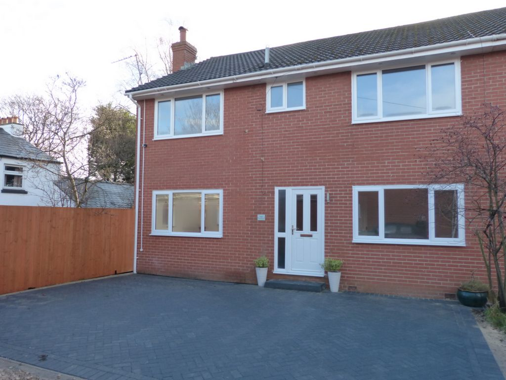 Asmall Close  Ormskirk  L39