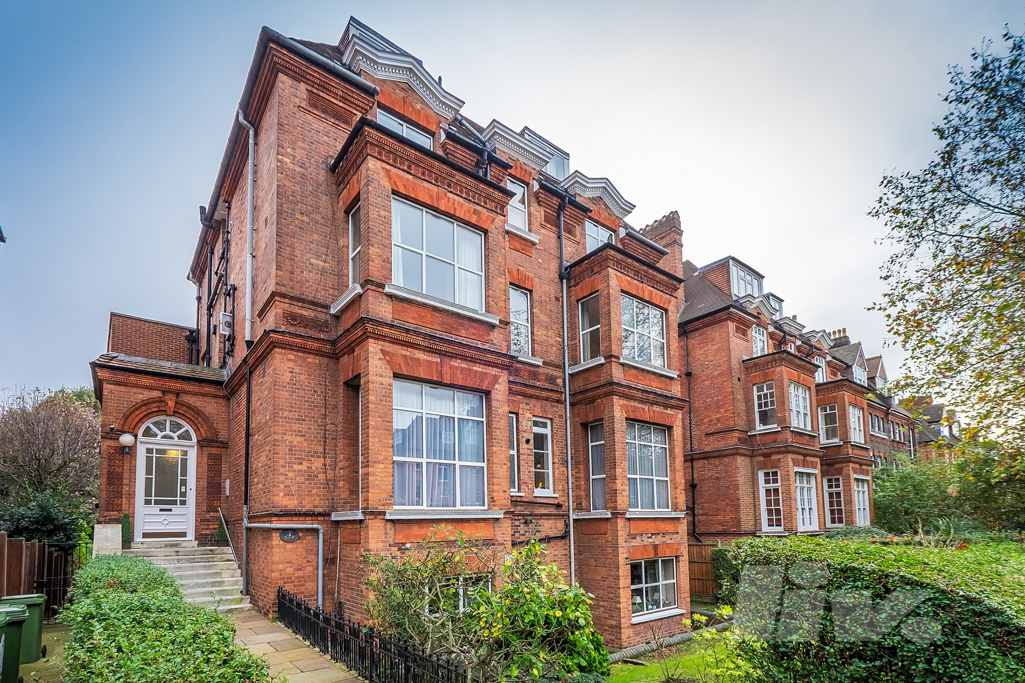 Fitzjohns Avenue  Hampstead  NW3
