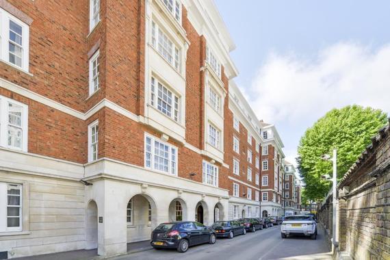 Kensington High Street  Kensington  W8
