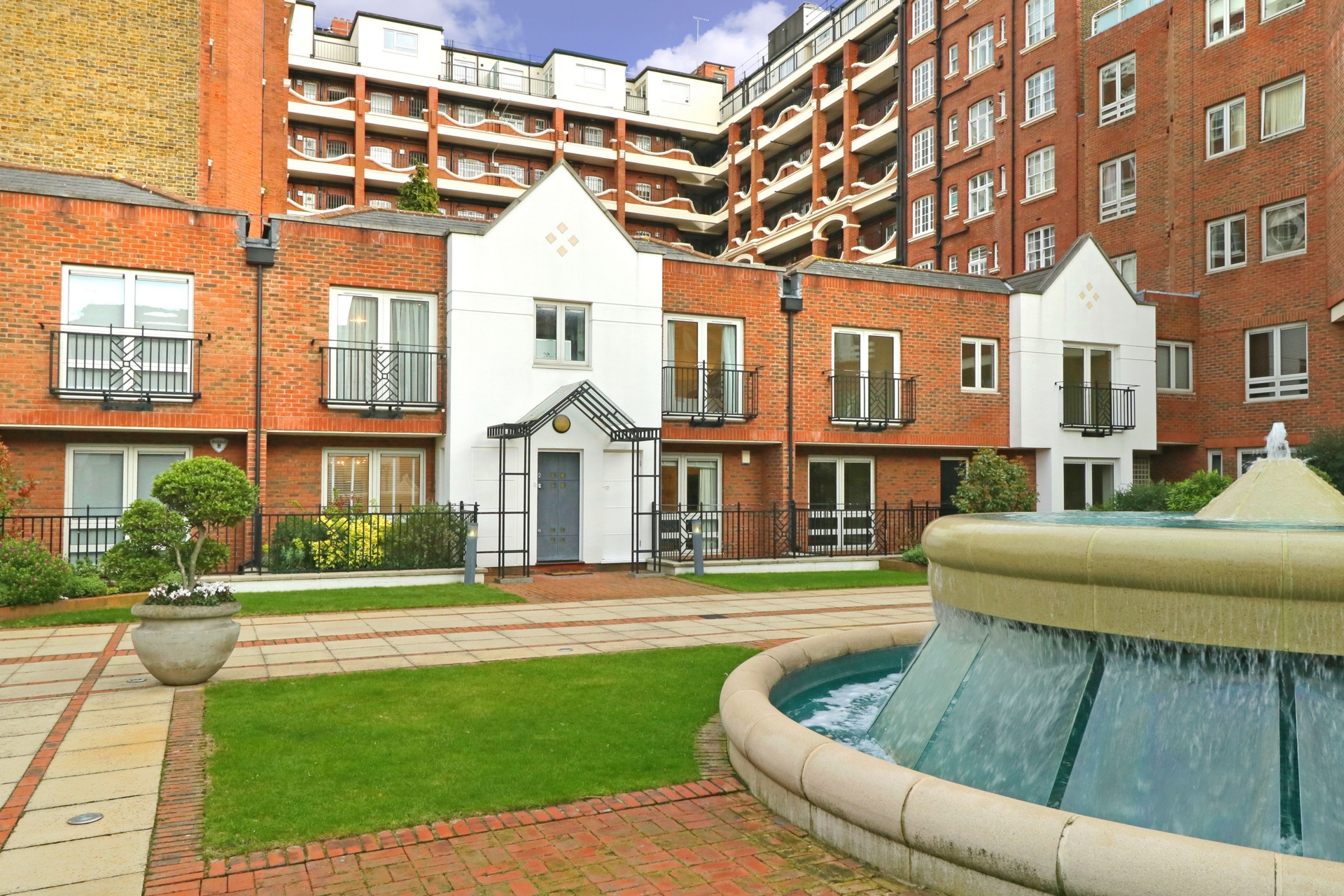 Squire Gardens  St Johns Wood  London  NW8