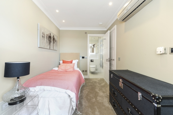 Ensuite to Fifth Bedroom