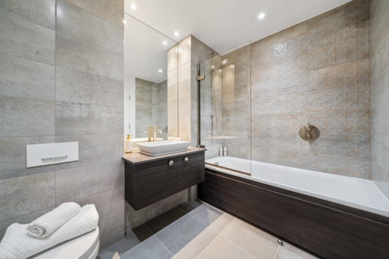 Ensuite to Second Bedroom