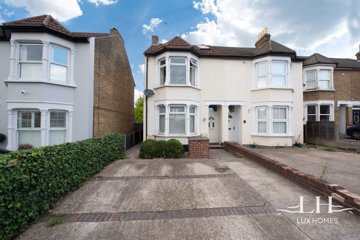 Brentwood Road, Romford  RM1
