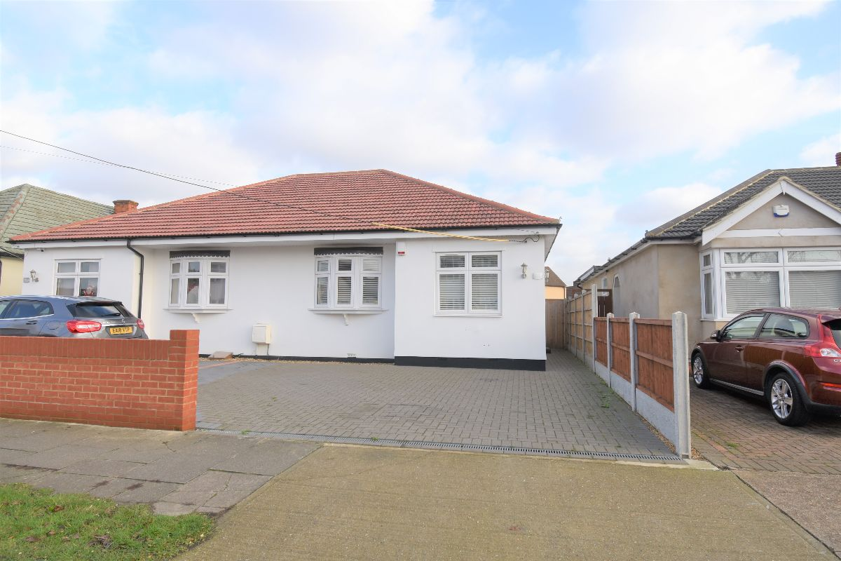 Stanley Road North, Rainham  RM13
