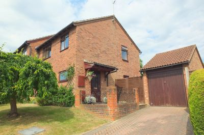 Photo 1, Fields End Close, Haywards Heath, RH16