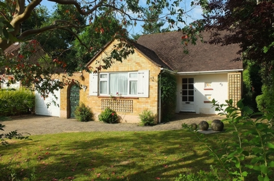 Photo 2, Farlington Avenue, Haywards Heath, RH16