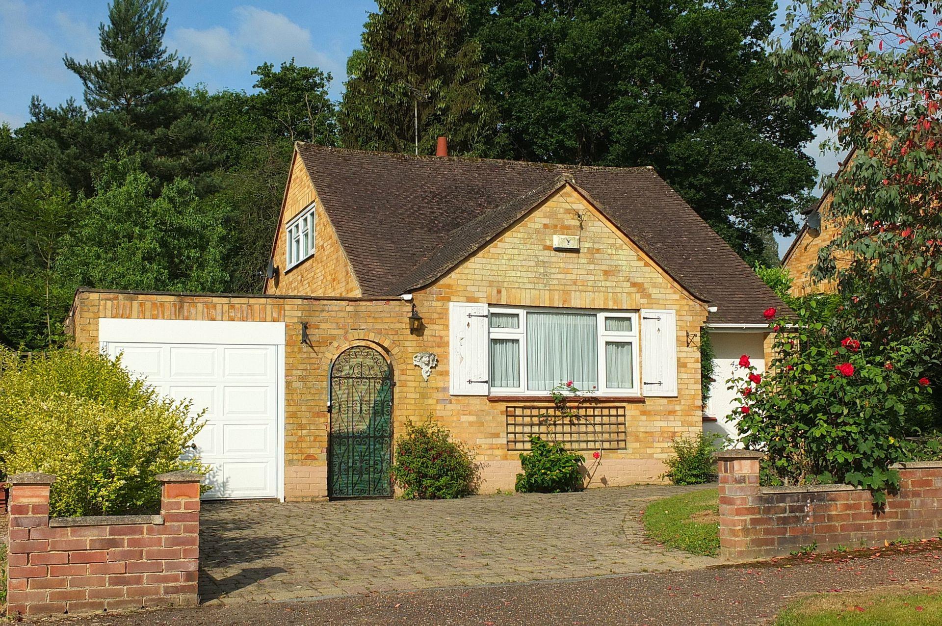 Photo 4, Farlington Avenue, Haywards Heath, RH16