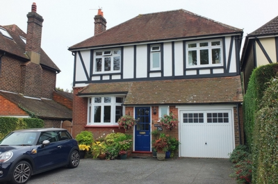 Photo 4, Inholmes Park Road, Burgess Hill, RH15