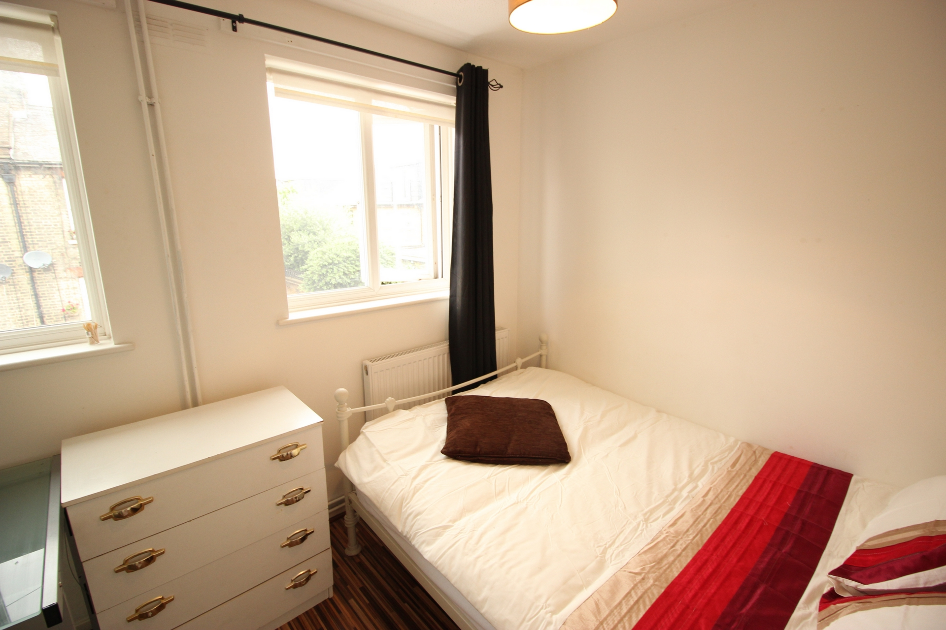 Wodseer Street  Room To Let in Brick Lane  E1