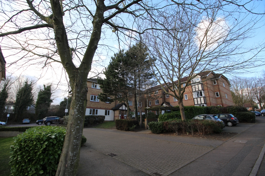Centre Drive  Epping  CM16