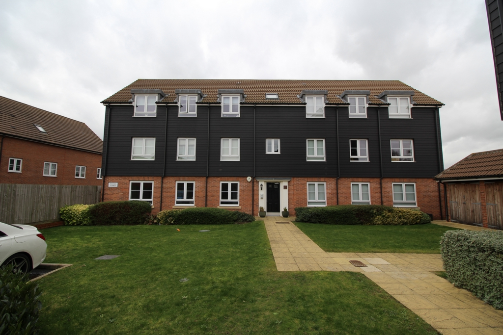 Property To Rent Victoria Road Ongar Cm5 2 Bedroom Flat Through Montagues Lettings Sales