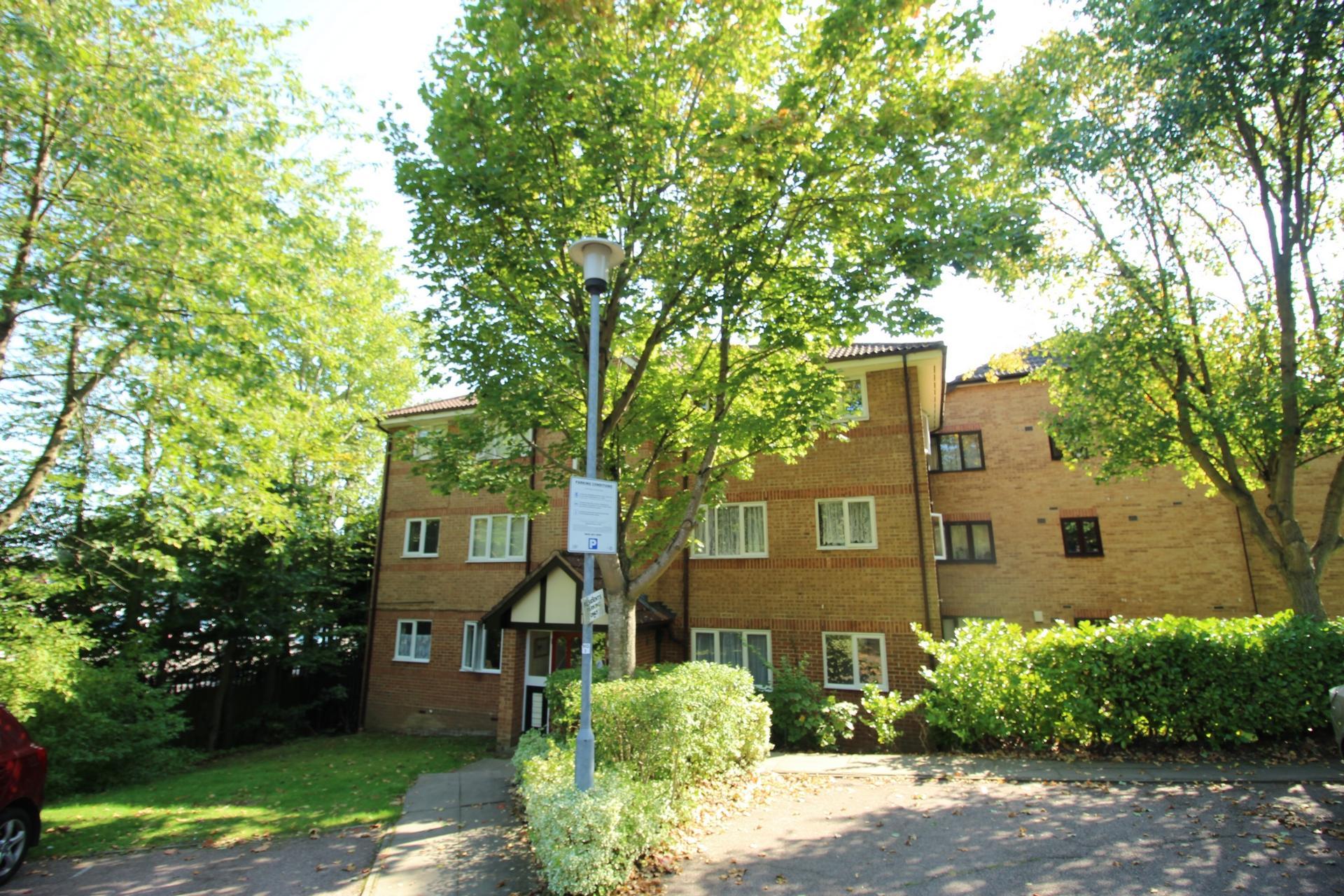 Woodland Grove  Epping  CM16