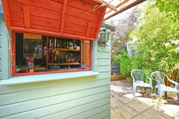 Rear Garden Bar