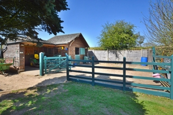 Stables & Holding Pen