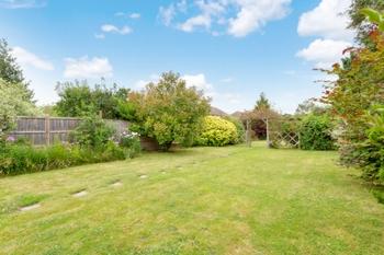 Wolverton Gardens  Horley  RH6