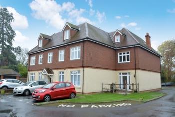 Front, Bonehurst Road, Horley, RH6