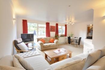 Lounge/Diner, Henderson Road, Broadfield, RH11