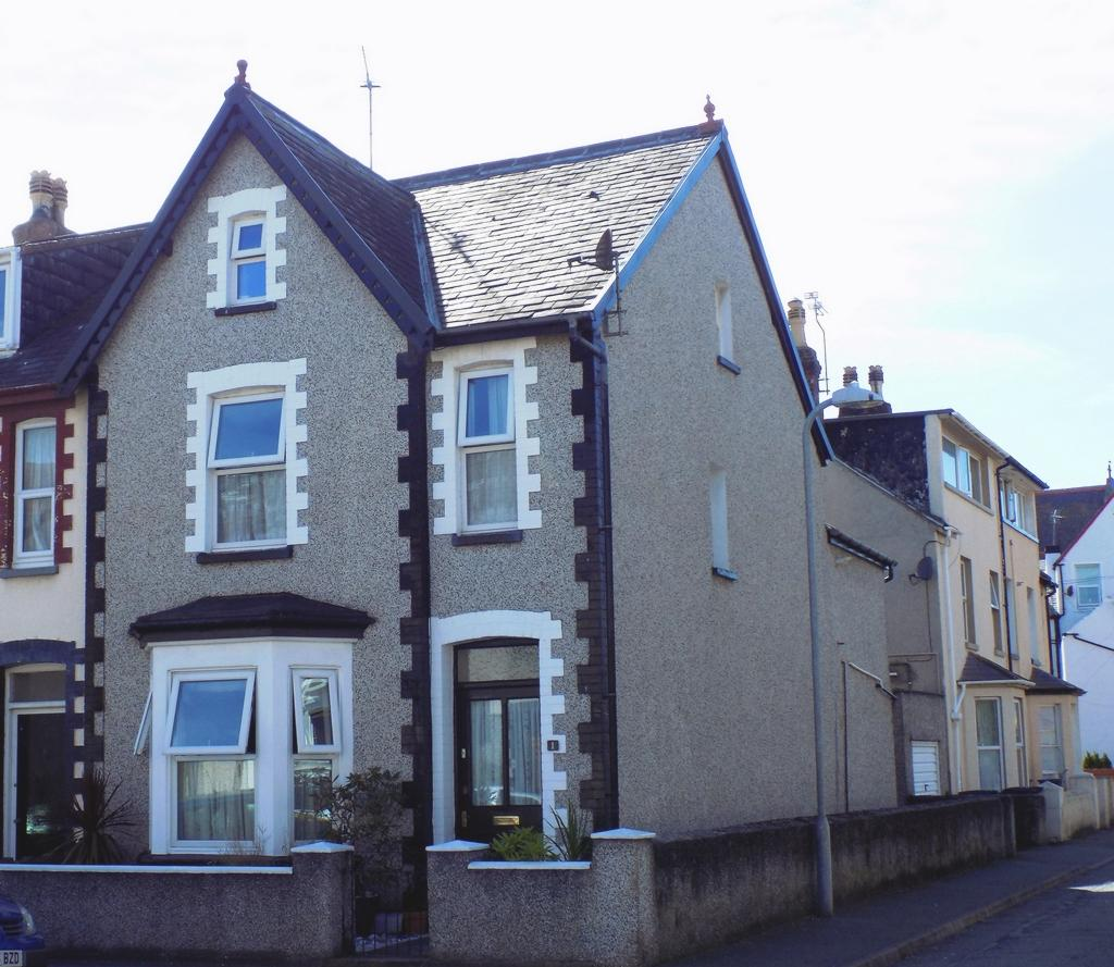 Property photo 1, Pleasant Street, Craig-Y-Don, LL30