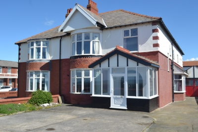 Property photo 1, Queens Promenade, Blackpool, FY2