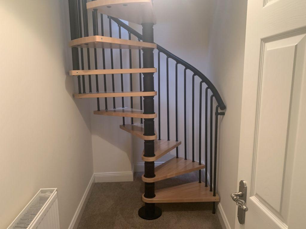 Access to floor 2