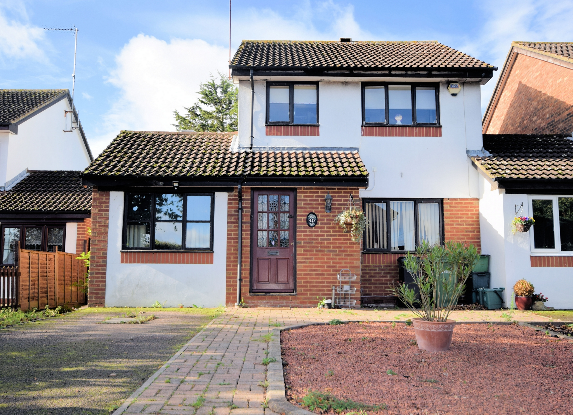 Broadlake Close  London Colney  AL2