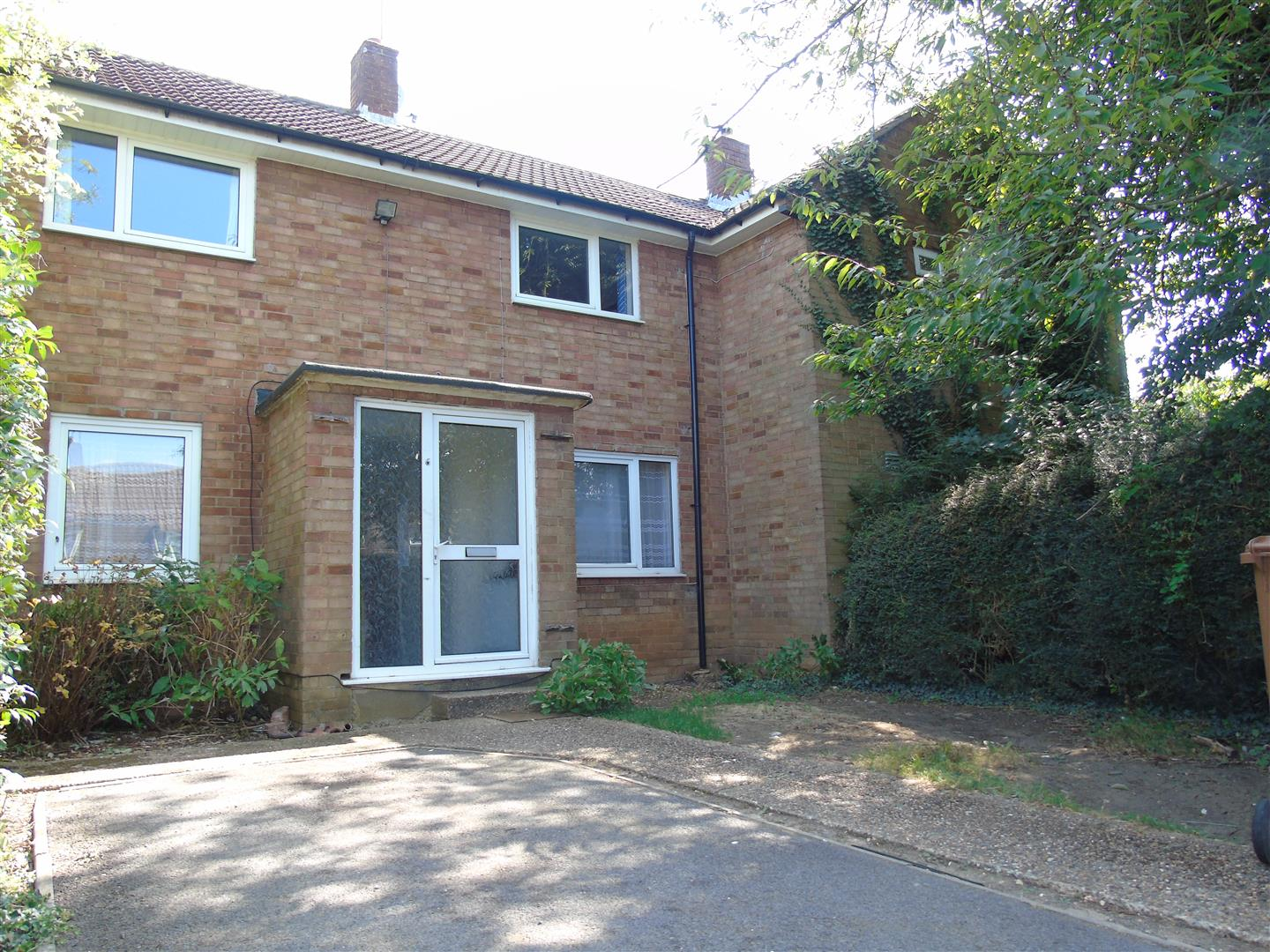 Blackthorne Close  Hatfield  AL10