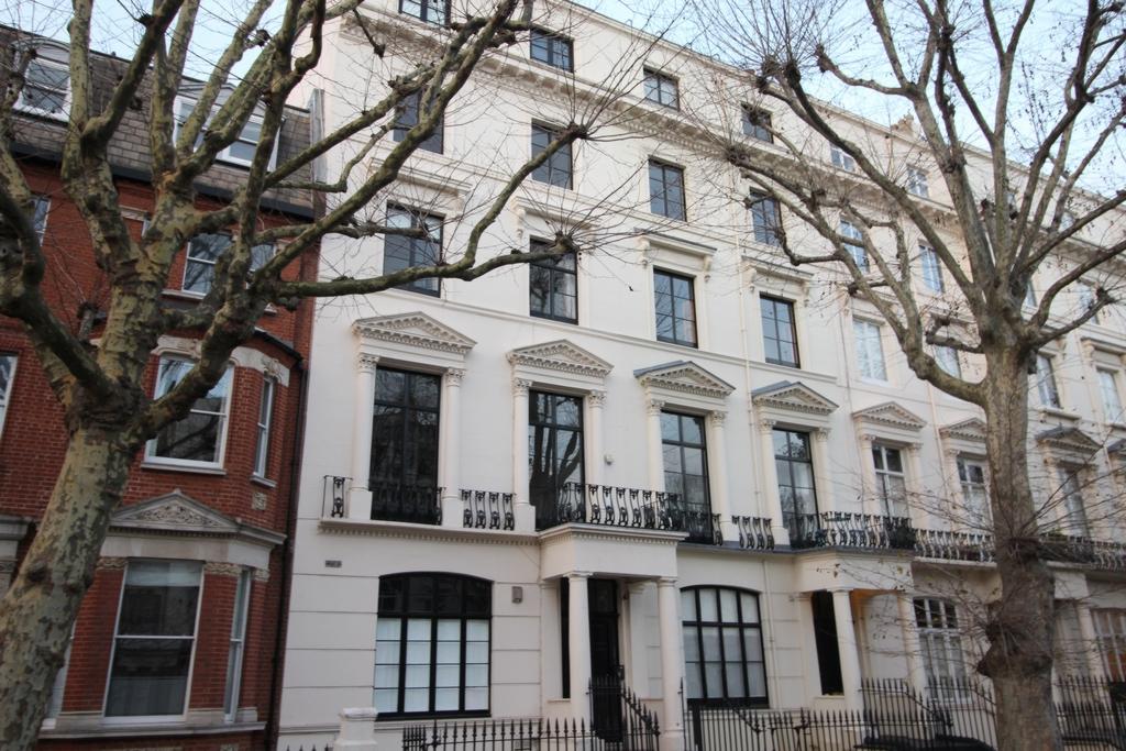 Sutherland Avenue  London  W9