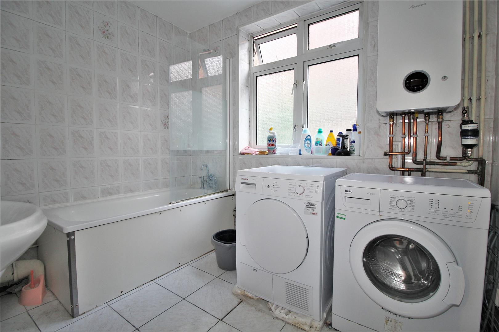 Communal Bathroom & Laundry