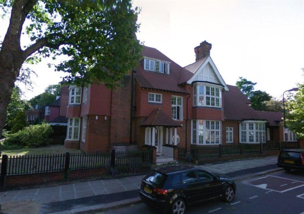 Wadham Gardens, Primrose Hill  Hampstead  NW3