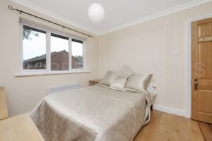 Glencairne Close  London  E16