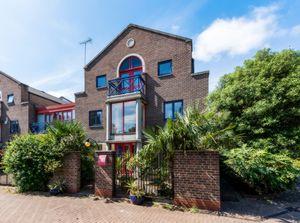 Photo 1, Peartree Lane, Wapping, E1W