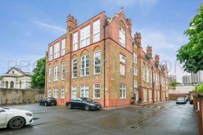 School Mews  London  E1